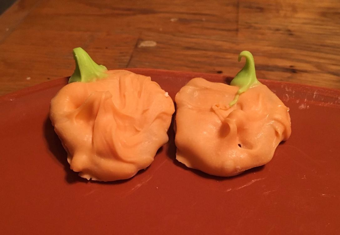 Pumpkin Chocolate Covered Pretzels